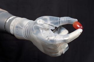 Brazo robótico Luke (Luke arm): prótesis robótica de alta precisión